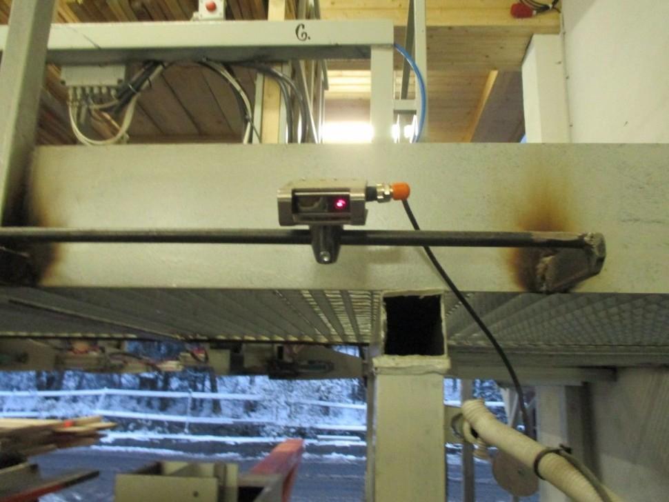 Kontrola delky prken pro automatické ukladání bočního řeziva
