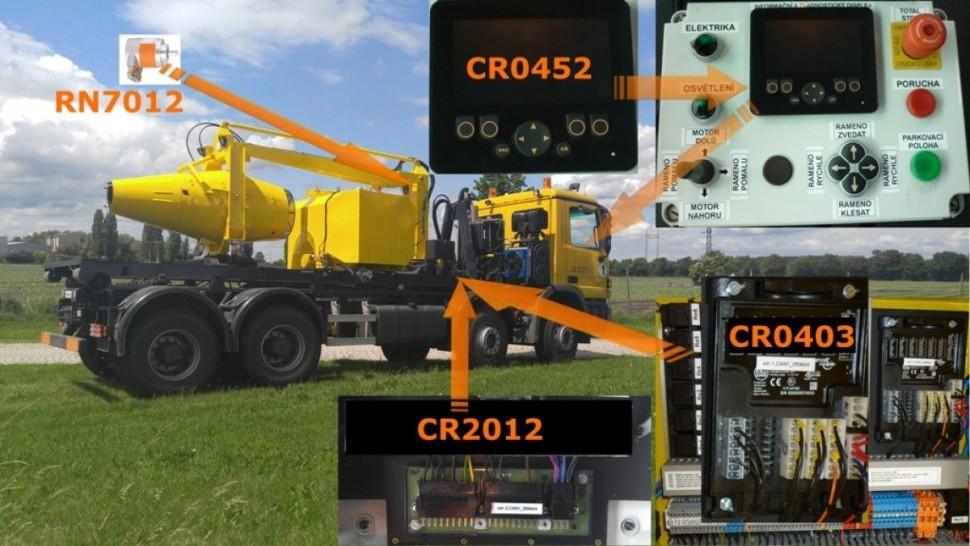 Speciální vozidlo na vysušování a úklid runway na letišti Václava Havla. Vozidlo je řízeno jednotkou CR0403, display pro ovládání ramene a tryskového motoru z L-159 je CR0452 + decentrální periferie CR2012. Poloha motoru CAN rot. snímač + analog sens